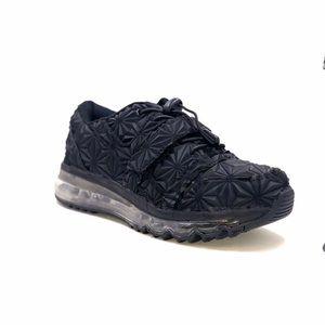 YRU Aiire 4D black sneaker